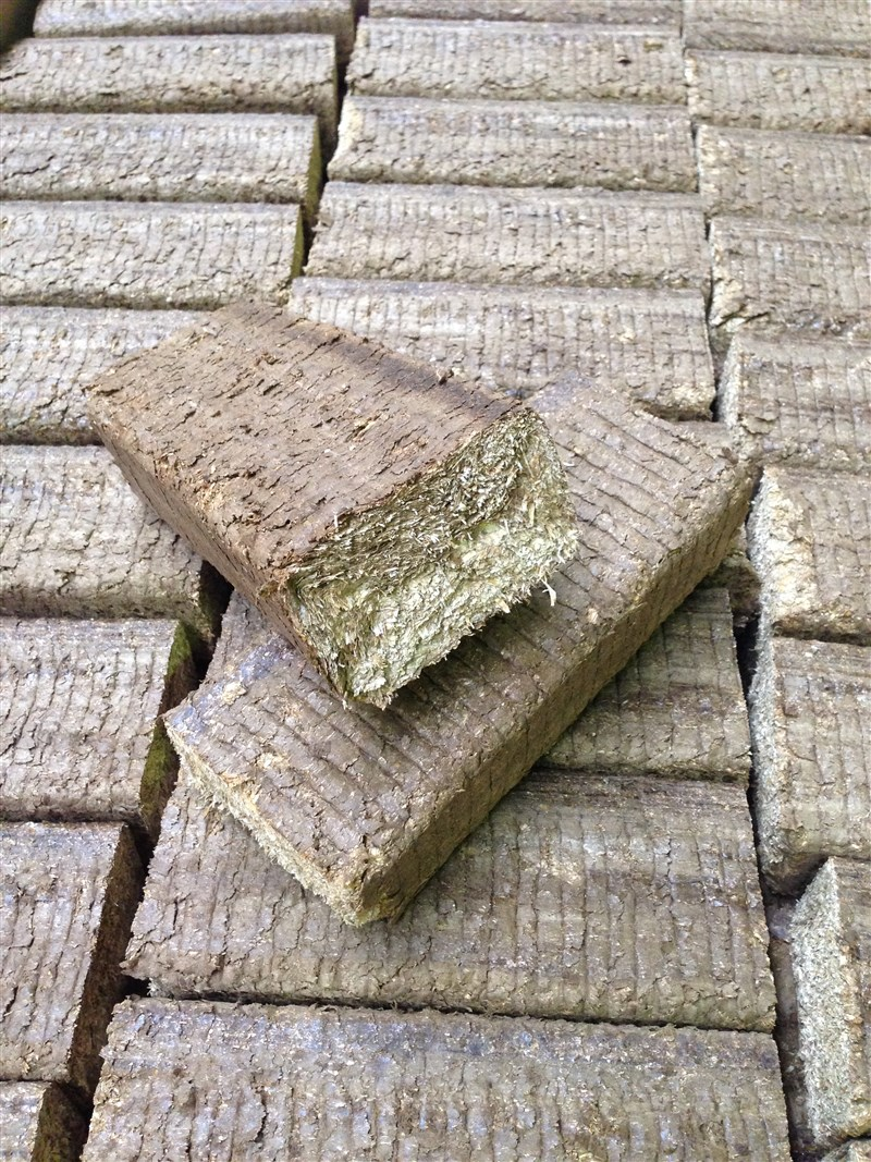 easy-brick are delivered in individually fitted measures.